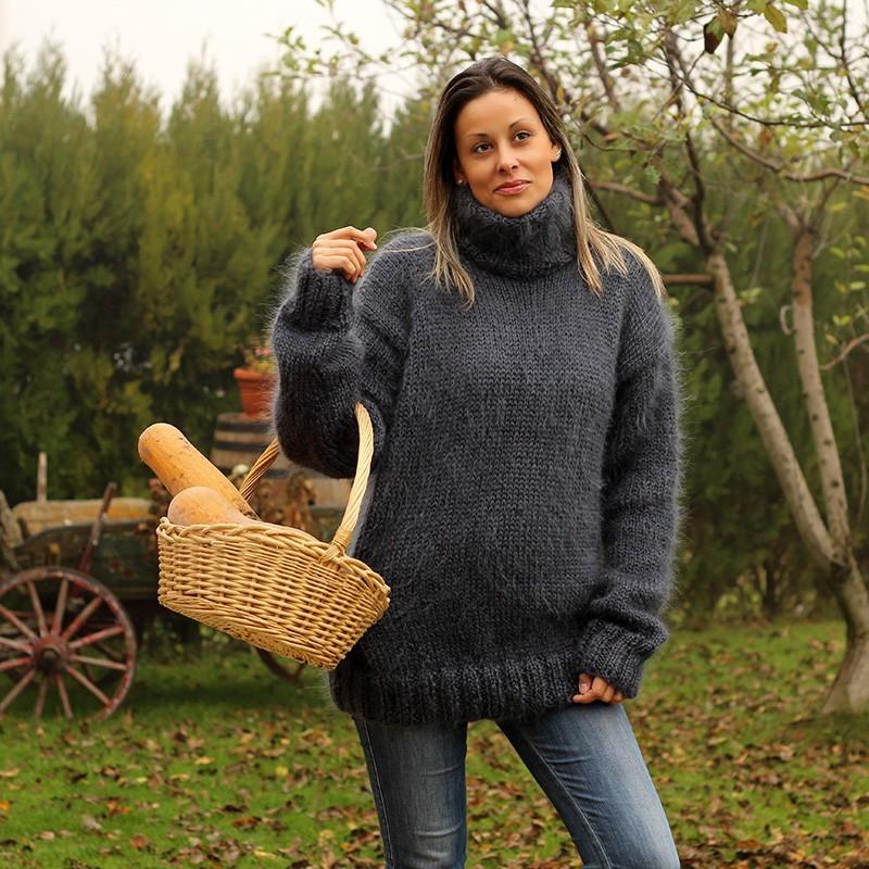 Hand Knit Mohair Sweater very dark gray Fuzzy Turtleneck Handgestrickt pullover by Extravagantza
