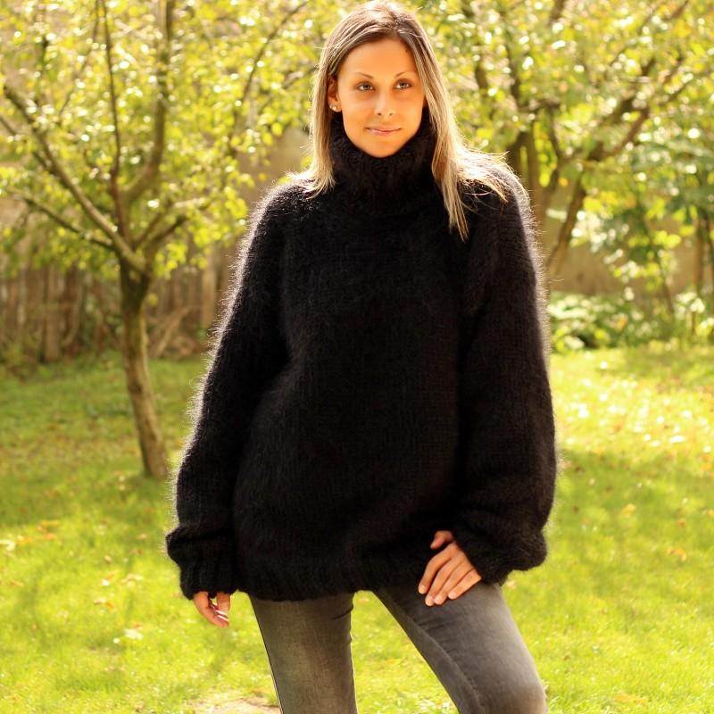 Hand Knit Mohair Sweater Black Fuzzy Turtleneck Handgestrickt pullover