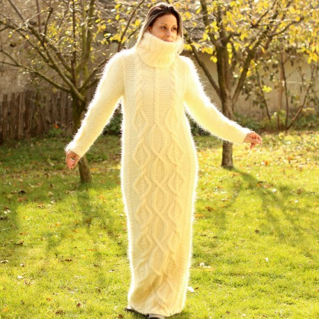 Cable hand Knitted Mohair dress white cream Fuzzy Turtleneck Handgestrickte pullover by Extravagantza